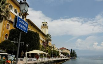 (GERMANY OUT) Italien, Lombardei, Gardone di Riviera: Grand Hotel am Westufer des Gardasee (Lago di Garda) (Photo by Cooper/ullstein bild via Getty Images)
