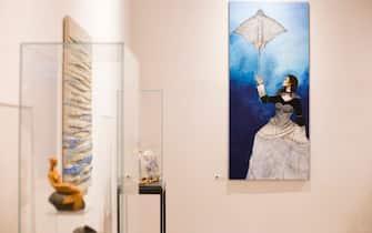 """Oggetti e un quadro alla mostra """"Il mare chiama chi ama ilmare"""", a Sorrento"""
