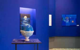 """Una stanza della mostra """"Il mare chiama chi ama ilmare"""", a Villa Fiorentino, a Sorrento"""