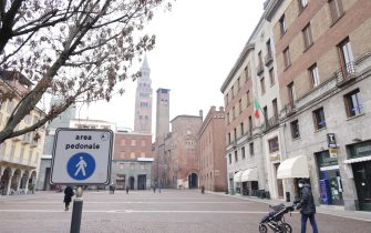 The center of Cremona almost deserted following the restrictions contained in the last Government's decree against the spread of infection from Covid-19, Cremona, Italy, 17 January 2021.  ANSA / Filippo Venezia