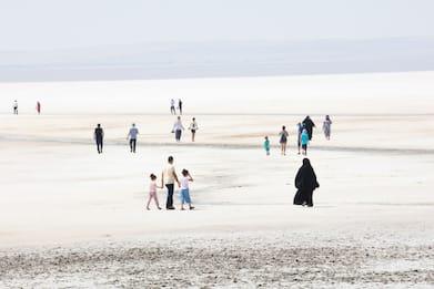 Siccità, sparisce il lago Tuz: era il secondo più grande della Turchia
