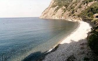 Una veduta della spiaggia Framura (La Spezia) Liguria  in una foto di archivio senza data. ANSA/ +++NO SALES - EDITORIAL USE ONLY+++