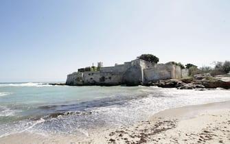 Sabbia e mare nell'area del litorale di Monopoli, in Puglia