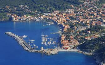 La spiaggia di Marciana Marina, in Toscana