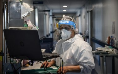 Il reparto di terapia subintensiva Covid-19  all ospedale di Cremona durante l emergenza epidemia coronavirus Covid-19, Cremona 23 Aprile 2020Ansa/Matteo Corner