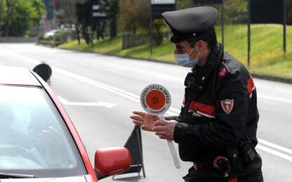 Zone rosse e arancione scuro, mappa delle restrizioni locali in Italia