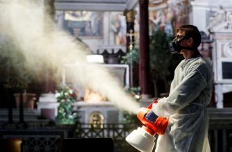 Sanification of the Basilica of Santa Maria in Trastevere during the Phase Two of coronavirus lockdown in Rome, Italy, 11 May 2020. ANSA/RICCARDO ANTIMIANI