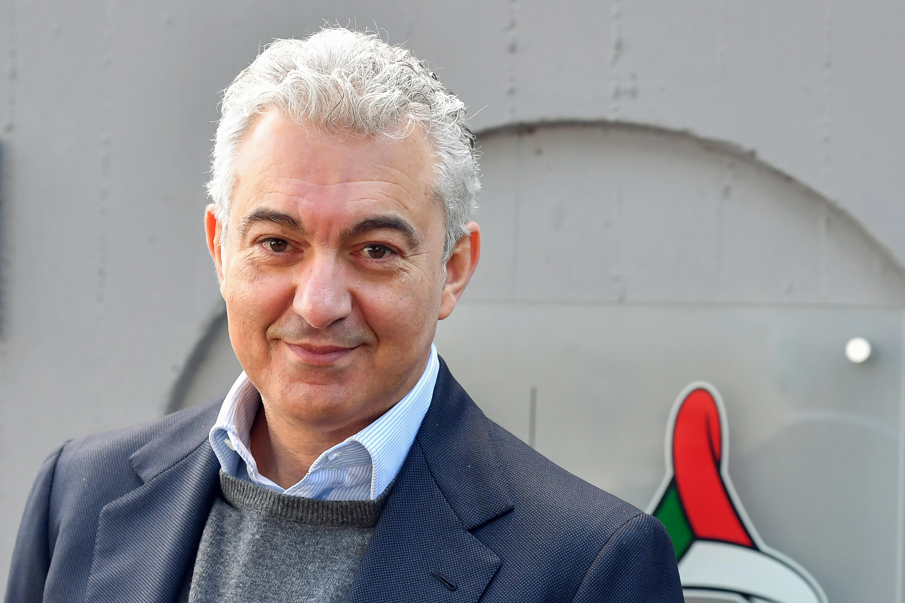 Il commissario sull'emergenza Coronavirus, Domenico Arcuri, risponde ad alcune domande dei giornisti, davanti al dipartimento di Portezione Civile, Roma 24 marzo 2020.  ANSA/ALESSANDRO DI MEO