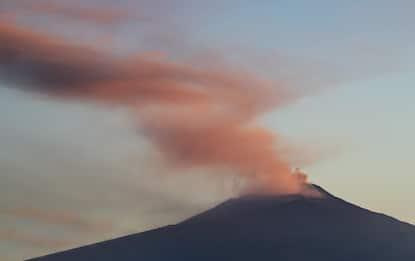 Eruzione Etna, cenere da nuovo cratere a Sud-Est. FOTO