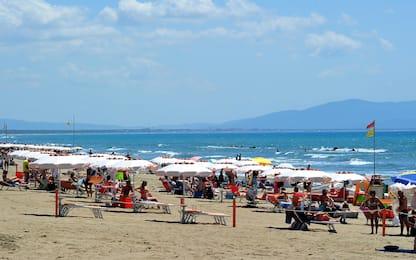 Coronavirus, prima domenica dopo lockdown nelle spiagge italiane. FOTO
