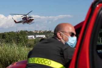 Recovery and rescue operations after a two-seater aircraft crashed into the Tiber river in Rome, Italy, 25 May 2020. One of the two people on board the aircraft that fell into the Tiber was rescued. According to what has been learned, it would be the instructor who managed to get out of the plane before he sank. Among the first hypotheses, that there was an attempt to ditch the pilot before the aircraft sank.? ANSA/MASSIMO PERCOSSI