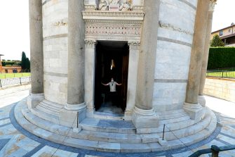 Employed open the door to the entrance at the leaning tower after it closed due the health emergency period due to contain spread of Coronavirus, Pisa, Italy, 30 May 2020(ANSA foto Fabio Muzzi)