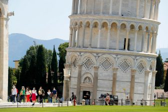 Tourist what to enter and visit visiting the leaning tower after it closed due the health emergency period due to contain spread of Coronavirus, Pisa, Italy, 30 May 2020(ANSA foto Fabio Muzzi)