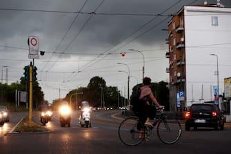 Foto LaPresse - Vince Paolo Gerace 31/08 /2018  - Milano (MI)   Cronaca  Cieli scuri  Nella foto Cieli carichi di nuvole che minacciano pioggia in Viale Liguria, sono previsti acquazoni su Milano