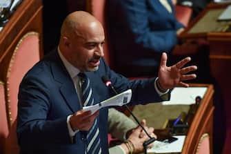 Gianluigi Paragone, in Aula del Senato durante le dichiarazioni di voto sulla questione di fiducia sul maxiemendamento del ddl di bilancio 2020, Roma, 16 dicembre 2019. ANSA/ALESSANDRO DI MEO