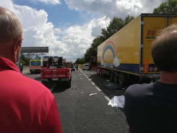 Incidente autostrada A1, padre bimbe arrestato per omicidio stradale