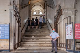 VENICE, ITALY - JUNE 13: Tourists enter the Doge's Palace, which reopened today on June 13, 2020 in Venice, Italy. The whole country is returning to normality after more than two months of a nationwide lockdown meant to curb the spread of Covid-19. (Photo by Stefano Mazzola/Awakening/Getty Images)
