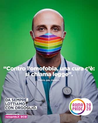 """Un'immagine della campagna di comunicazione ''da sempre lottiamo con orgoglio'', 13 giugno 2020. Il Coronavirus ferma anche Roma-Pride. Per la prima volta, dopo 26 anni, a Roma non ci sarà nella Capitale la parata che ogni giugno dal 1994 ha sfilato nelle strade del centro, con carri, balli e canti, per rivendicare i diritti delle persone Lgbtqia. """"Quest'anno il Roma Pride, con grande senso di responsabilità, si è fermato perché non era possibile chiamare i grandi numeri della nostra piazza garantendo la sicurezza per tutte e tutti"""" spiega Sebastiano Secci portavoce del Roma Pride e presidente del Circolo di Cultura Omosessuale Mario Mieli.  ANSA / Ufficio Stampa Roma Pride  +++  ANSA PROVIDES ACCESS TO THIS HANDOUT PHOTO TO BE USED SOLELY TO ILLUSTRATE NEWS REPORTING OR COMMENTARY ON THE FACTS OR EVENTS DEPICTED IN THIS IMAGE; NO ARCHIVING; NO LICENSING  +++"""