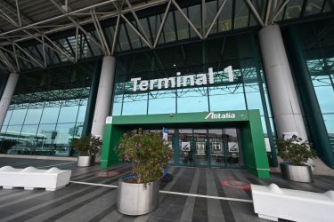 A general view shows a deserted entrance to the Terminal T1 of Rome's Fiumicino international airport on March 17, 2020. - Rome's second airport, Ciampino, has been closed, while Fiumicino is to close the T1, one of its three terminals from March 17. (Photo by ANDREAS SOLARO / AFP) (Photo by ANDREAS SOLARO/AFP via Getty Images)