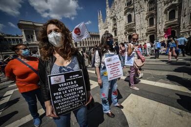 Coronavirus: a Milano protesta contro Regione per gestione emergenza