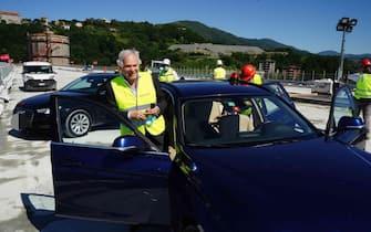 Pietro Salini, Ad della società Webuild  era a bordo della prima automobile che ha attraversato il nuovo Ponte di Genova, 22 giugno 2020. ANSA/WEBUILD EDITORIAL USE ONLY NO SALES