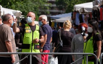 Emergenza Coronavirus a Roma, controlli al mercato di Porta Port