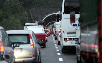 25/9/06 celle ligure (sv). Autostrade A10 chiusa per qualche tempo a causa dei forti temporali alcuni allalgamenti della sede stradale, smottamenti vari. - foto luca zennaro\ansa -