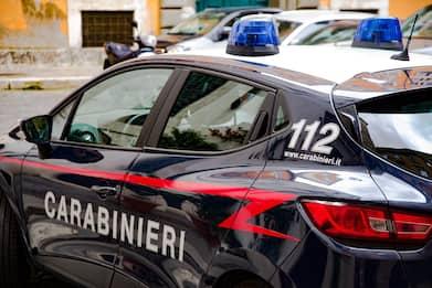Procida, evade dai domiciliari e minaccia patrigno: arrestata 19enne