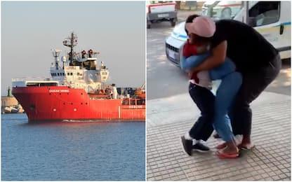 Migranti, a 6 anni ritrova la mamma nel Cara di Crotone. VIDEO