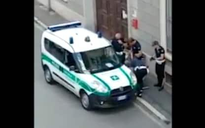 Gallarate, polemiche sulla polizia locale per il video di un arresto