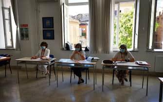 Al via gli esami di maturità al liceo Benedetto Croce, Palermo, 17 giugno 2020. ANSA/ IGNAZIO MARCHESE