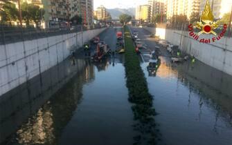 Vigili del Fuoco (Bomba d'acqua a Palermo)