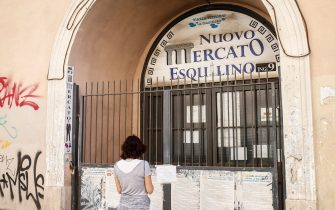 The Esquilino market has been closed by the local Police due to failure to comply with the requirements to limit the risk of contagion from coronavirus, in Rome, Italy, 19 July 2020. When local Police officers carried out checks, they noticed that the sellers were without masks or that they kept them lowered, and that social distancing measures were not respected. ANSA/ FABIO FRUSTACI