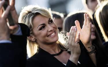 Francesca Pascale durante la chiusura della campagna elettorale del candidato sindaco di Roma Alfio Marchini ad Ostia, Roma, 03 giugno 2016. ANSA/ANGELO CARCONI