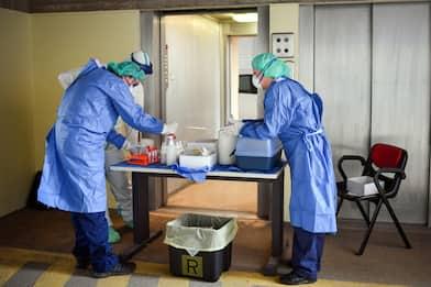 Covid, in Campania 1.069 casi su oltre 16mila tamponi