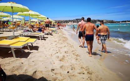Vacanze Italia, spiagge ancora in crisi: folla solo nei weekend. FOTO