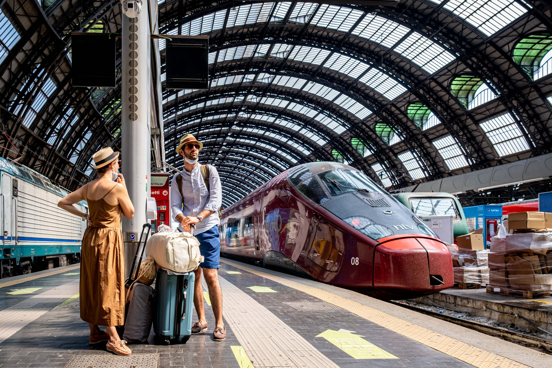 Milano, guasto in stazione Centrale per il maltempo: ritardi