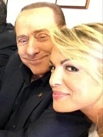 +++ATTENZIONE LA FOTO NON PUO' ESSERE PUBBLICATA O RIPRODOTTA SENZA L'AUTORIZZAZIONE DELLA FONTE DI ORIGINE CUI SI RINVIA+++    Una foto dell'ex presidente del Consiglio, Silvio Berlusconi, tratta dal suo neoaccount Instagram 'SilvioBerlusconi2015', Roma, 20 Maggio 2015.