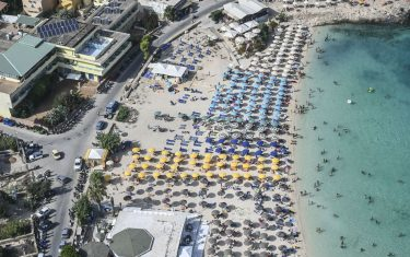 GettyImages-Turisti Italia hero
