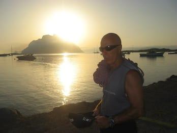 Precipita da scogliera a Tavolara, muore l'alpinista Stenghel