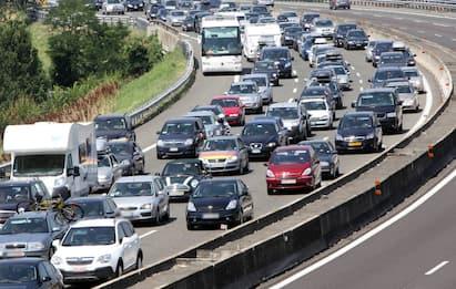 Rientro vacanze, primo controesodo: traffico intenso sulle autostrade
