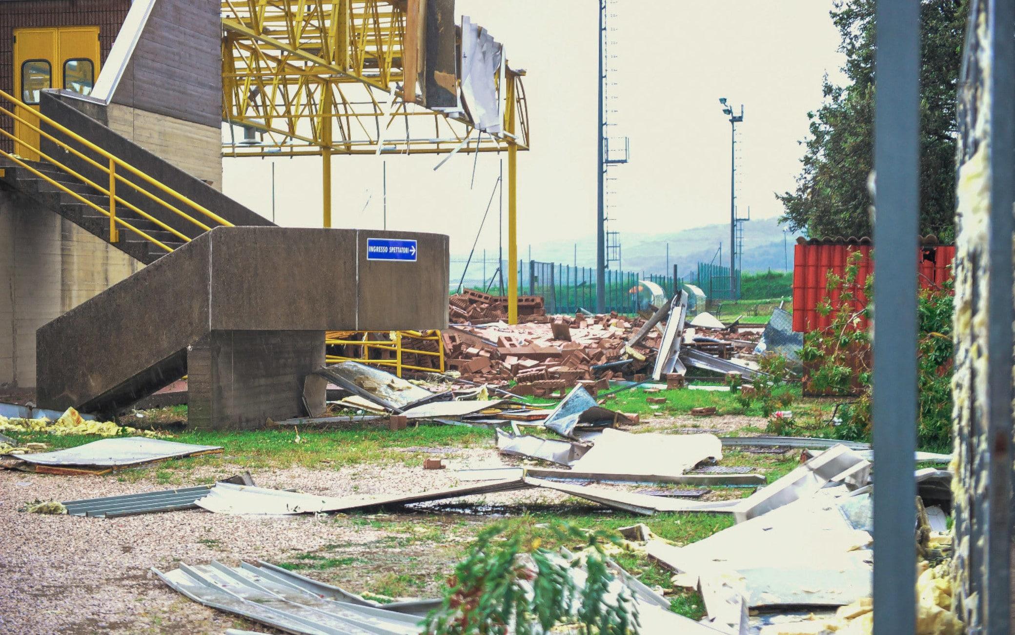 I danni causati dalla tromba d'aria a Montecchia di Crosara (Verona)