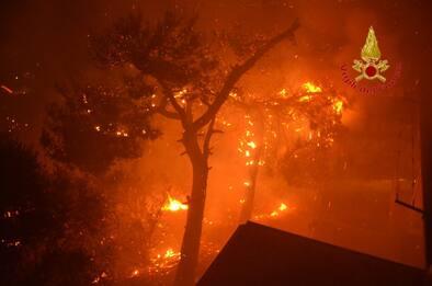 Incendio ad Altofonte, brucia ancora il bosco della Moarda