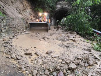Maltempo Alto Adige: esonda Isarco, chiuso tratto autostrada Brennero