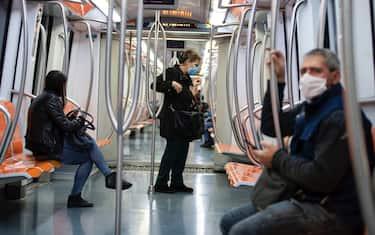 hero trasporto pubblico locale coronavirus metropolitana ansa