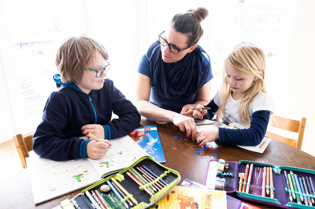 A scuola non lo mando, sempre più genitori scelgono l'homeschooling
