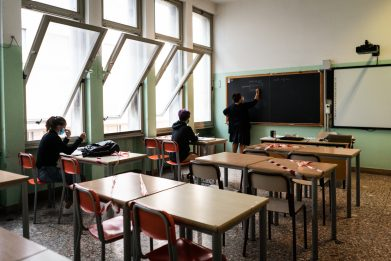 Covid, Tar Puglia: scuole aperte, ma libera scelta sulla frequenza