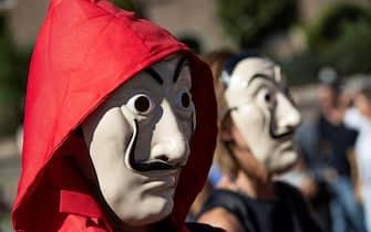 Un momento della manifestazione dei negazionisti a piazza della Bocca della Verità, Roma, 5 settembre 2020. ANSA/MASSIMO PERCOSSI
