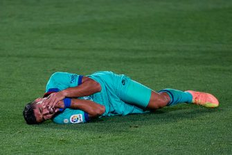 VILLAREAL, SPAIN - JULY 05: Luis Suarez of FC Barcelona reacts on the pitch during the Liga match between Villarreal CF and FC Barcelona at Estadio de la Ceramica on July 5, 2020 in Villareal, Spain. (Photo by David Aliaga/MB Media/Getty Images)