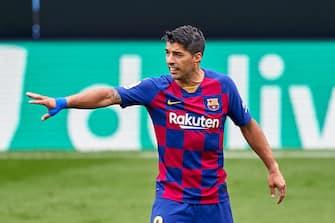 VIGO, SPAIN - JUNE 27: Luis Suarez of FC Barcelona reacts during the Liga match between RC Celta de Vigo and FC Barcelona at Abanca-Balaídos on June 27, 2020 in Vigo, Spain. (Photo by Jose Manuel Alvarez/Quality Sport Images/Getty Images)